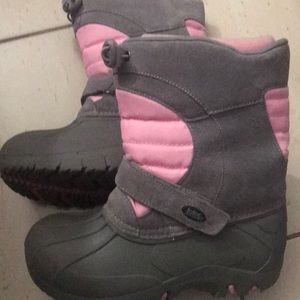Girls Totes snow boots